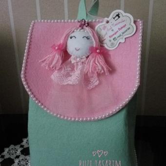 Minik kızlara sırt çantası